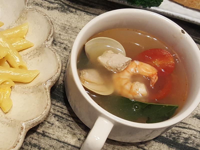 蕃茄海鮮蔬菜清湯