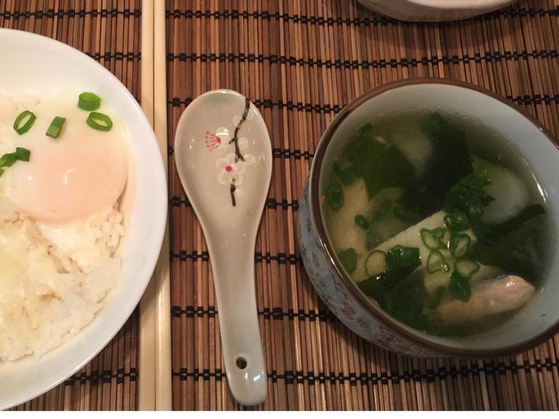 日式早餐之組合《鮭魚味噌海帶湯》