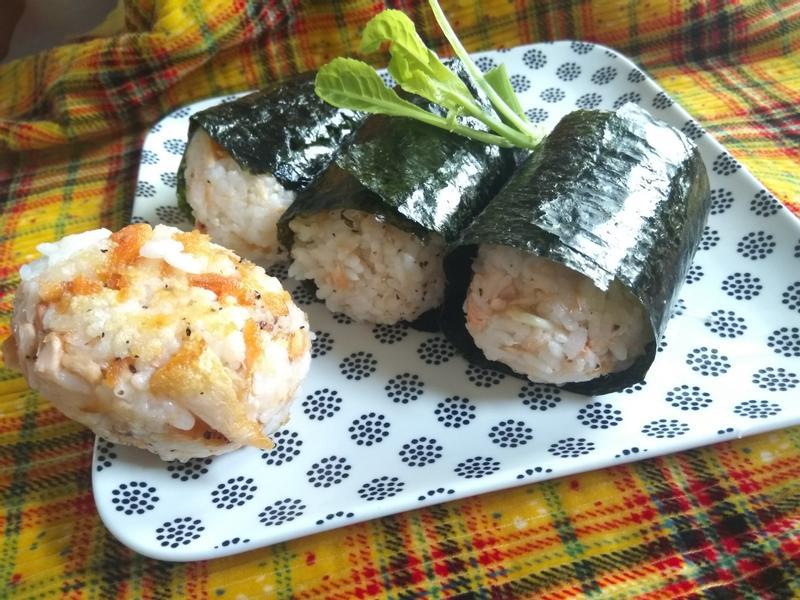 小朋友年菜好選擇─鮭魚軍艦大飯糰