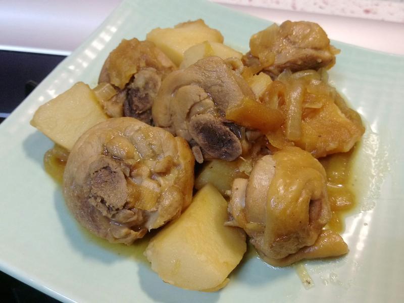 【A P馬鈴薯燉雞腿】蘋果的香甜哦!