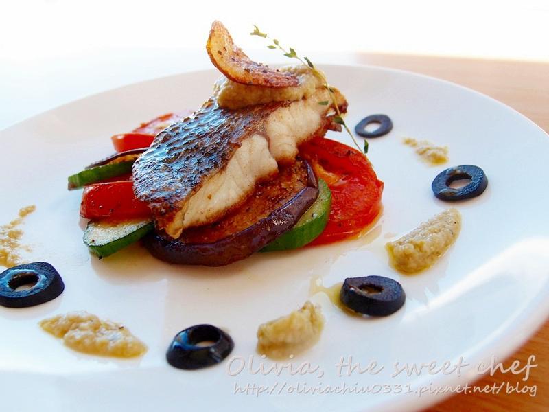 Olivia♥ 油煎白肉魚 佐橄欖茄子醬
