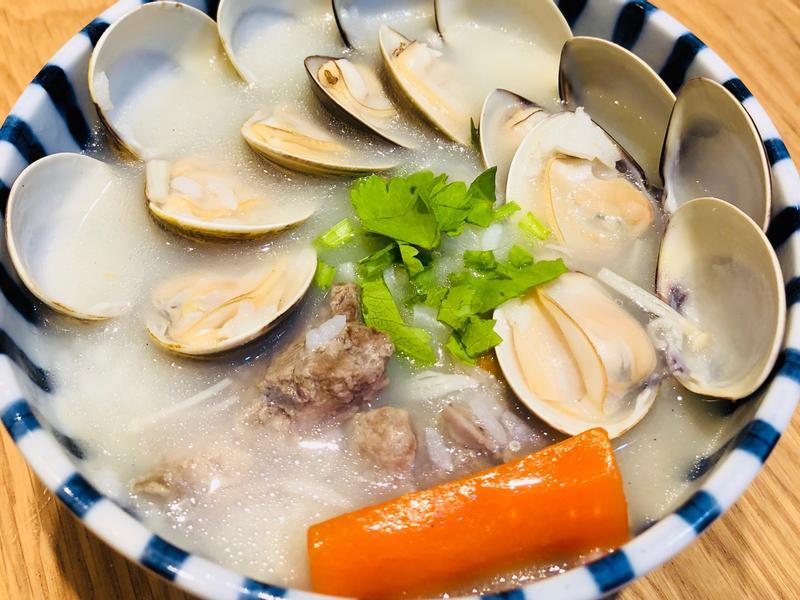 蛤蜊蔬菜排骨粥