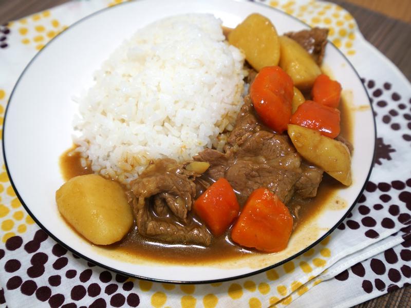 咖哩牛肉。超簡易版本