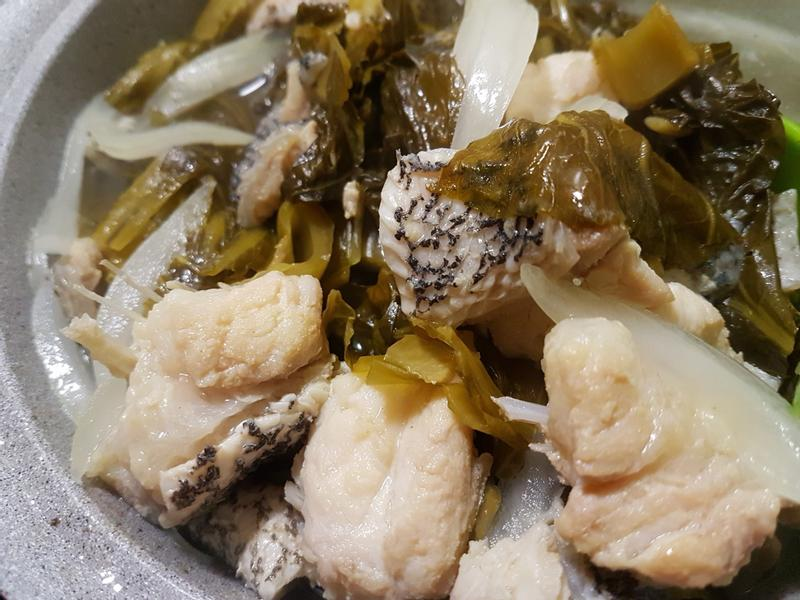 酸菜龍膽石斑魚湯
