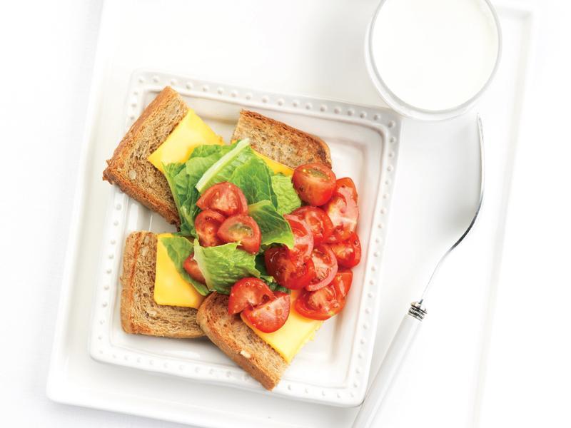 番茄沙拉起司三明治