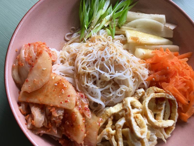 韓式泡菜涼拌米粉