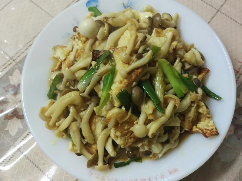 香辣豆腐炒雙菇