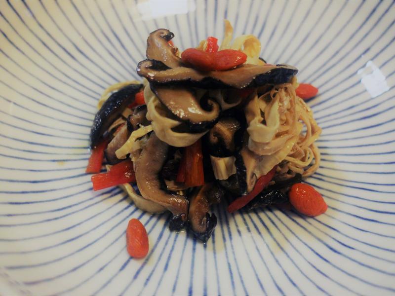 【鄉菇香】清拌香菇腐皮(素)