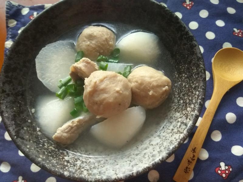 一鍋到底美味蘿蔔香菇貢丸湯