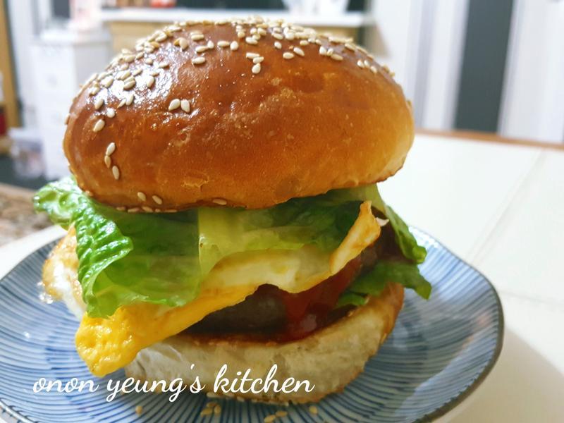 英式漢堡麵包 。家常烘焙。