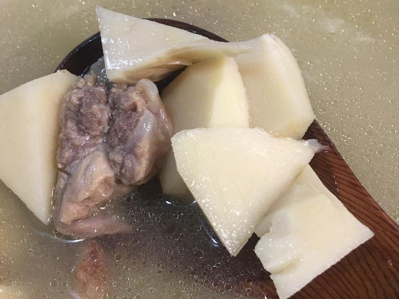 熱熱天輕鬆煮-綠竹筍排骨湯
