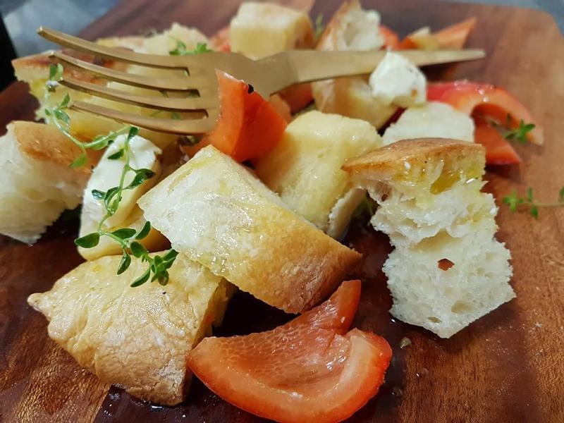 香草乳酪法國麵包沙拉