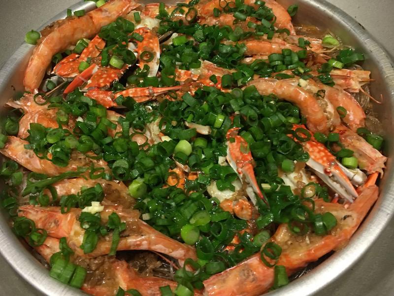 蒜泥粉絲蒸蝦