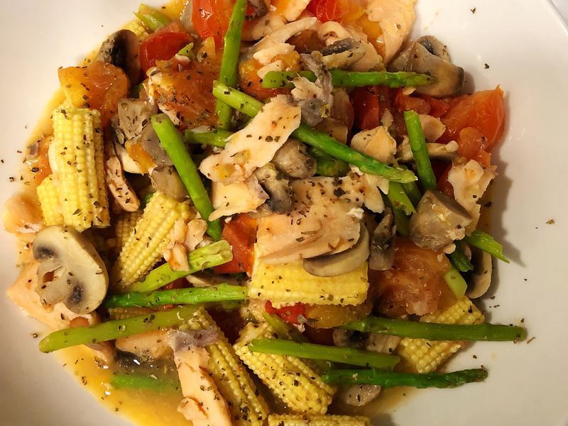 義式時蔬香炒鮭魚