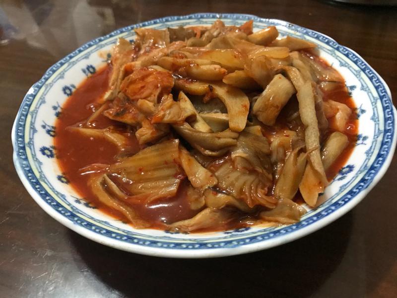 超下飯~泡菜辣炒鮑魚菇