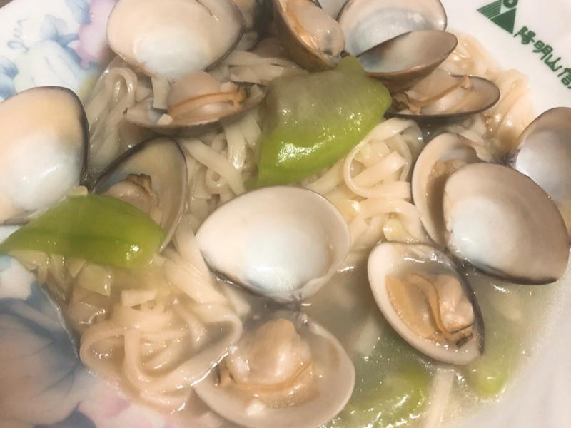 絲瓜蛤蜊麵