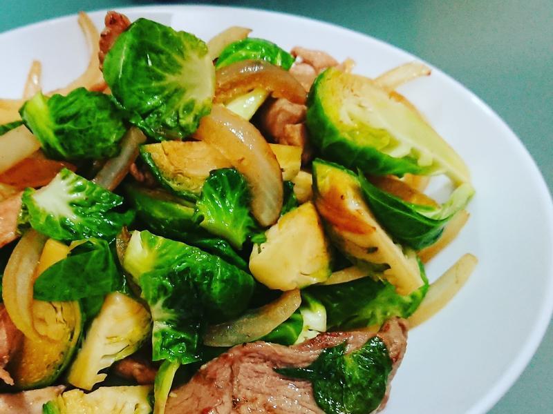 洋蔥椰菜仔炒肉片