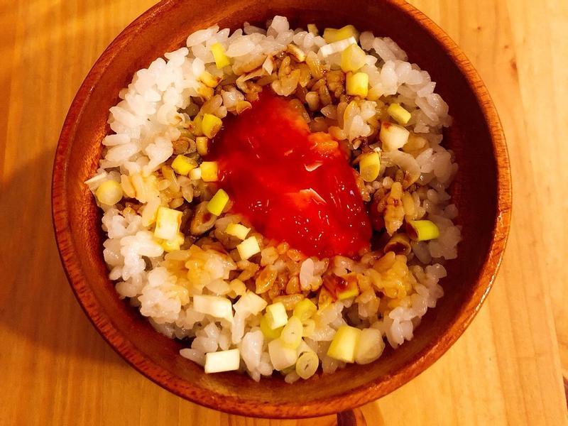 自製豬油拌飯(紅蔥頭、蒜頭版本)自釀蛋黃