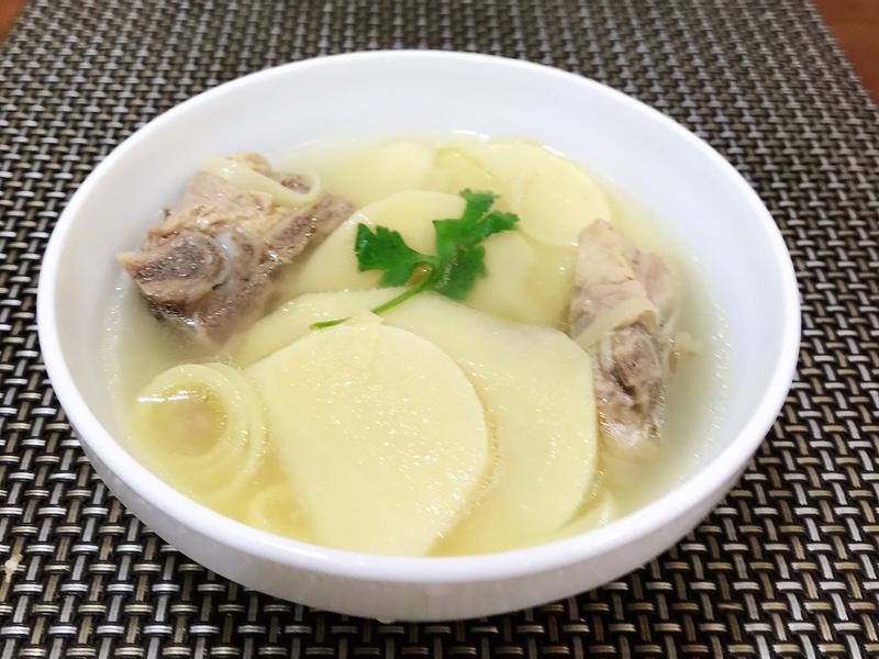 竹筍排骨湯