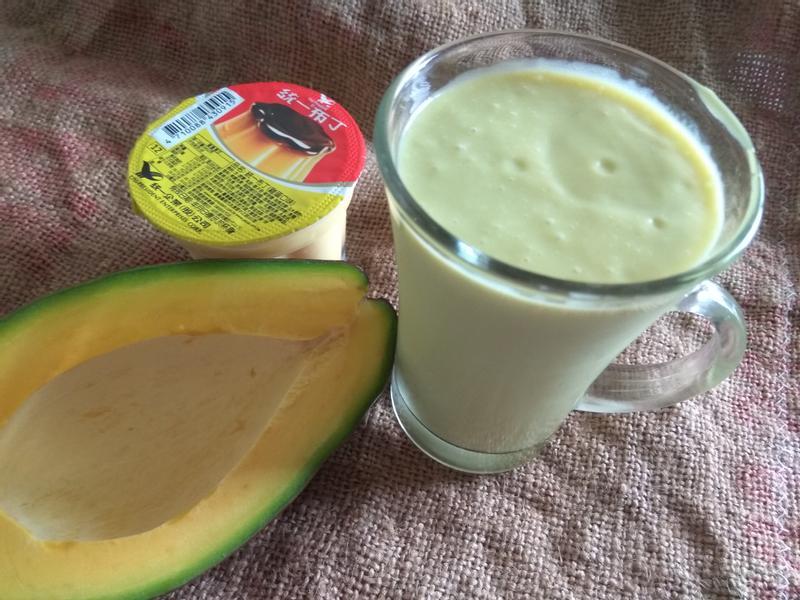 夏天活力補給-酪梨布丁營養飲
