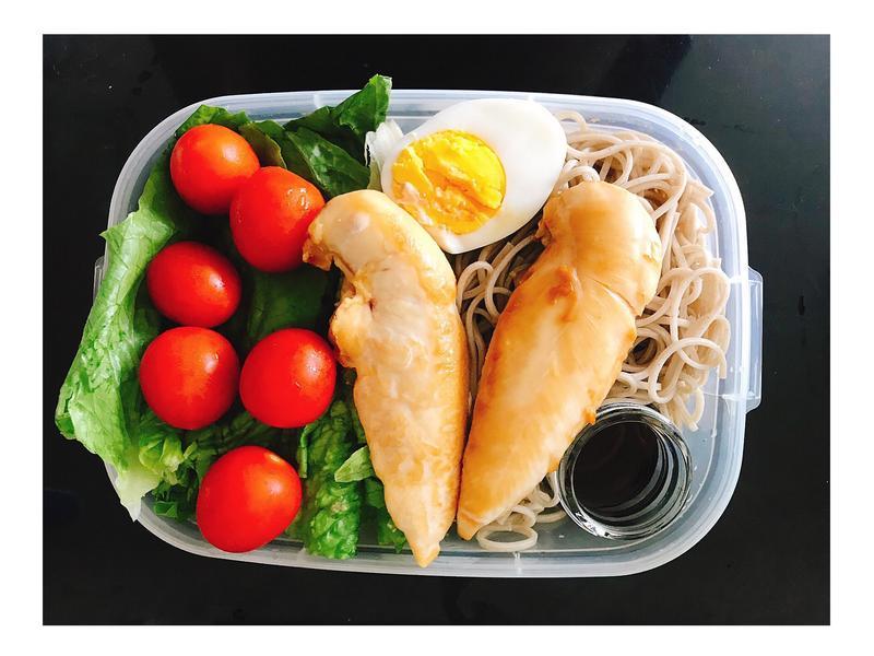 減脂便當🍱烤日本醬油雞柳蕎麥麵