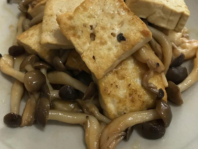 藍家小館-蠔菇煨豆腐