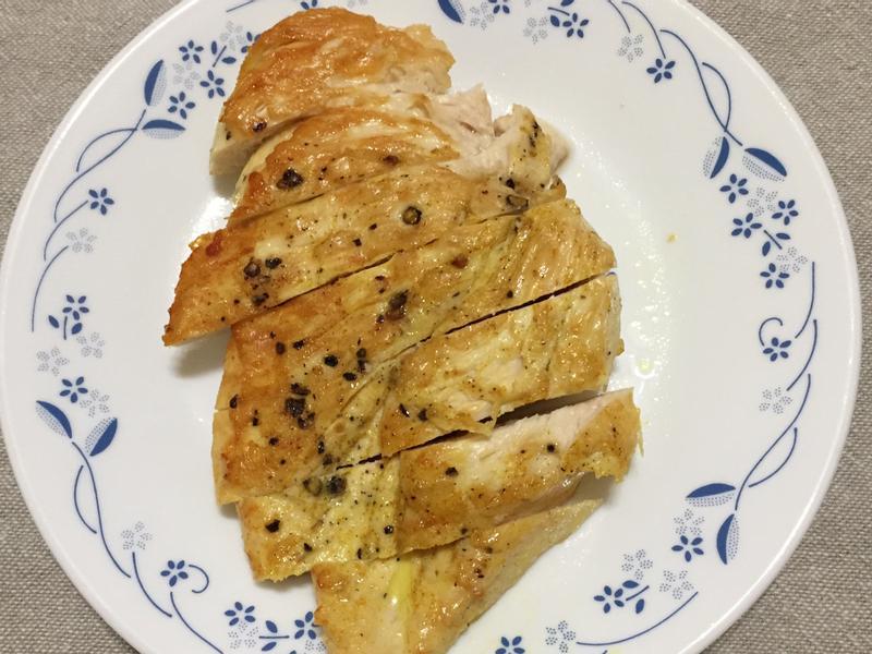 增肌減脂便當-嫩煎雞胸肉