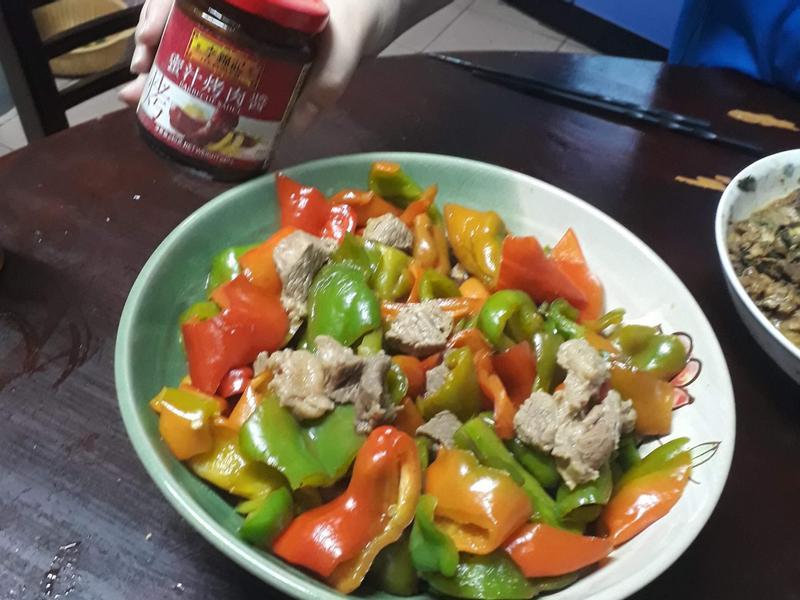青椒炒牛肉(李錦記-蜜汁烤肉醬)