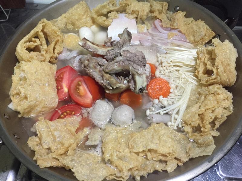 豬骨蔬菜火鍋