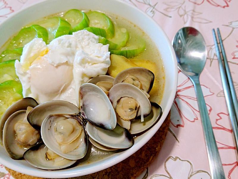 麻油絲瓜蛤蜊麵線