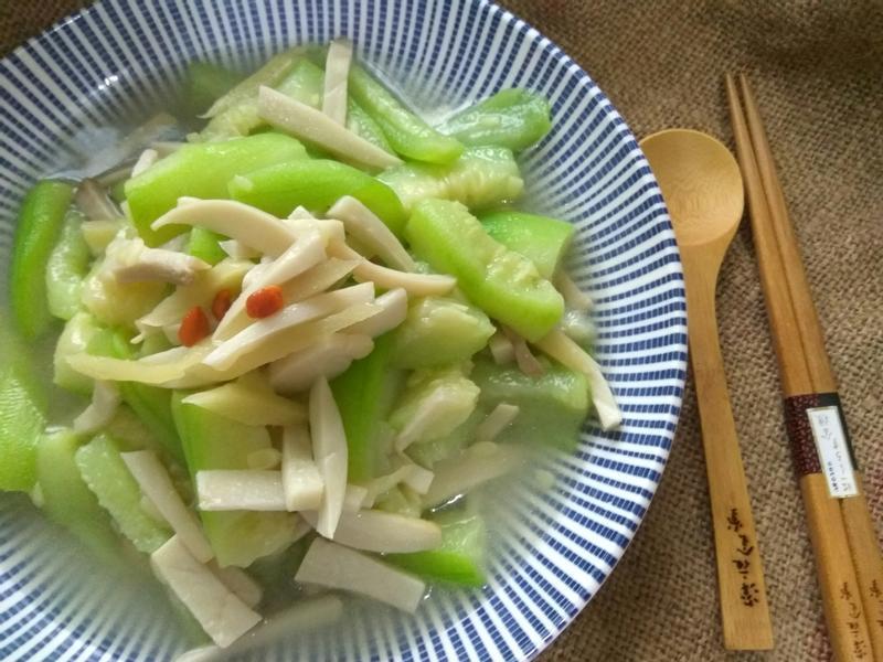絲瓜燴杏菇