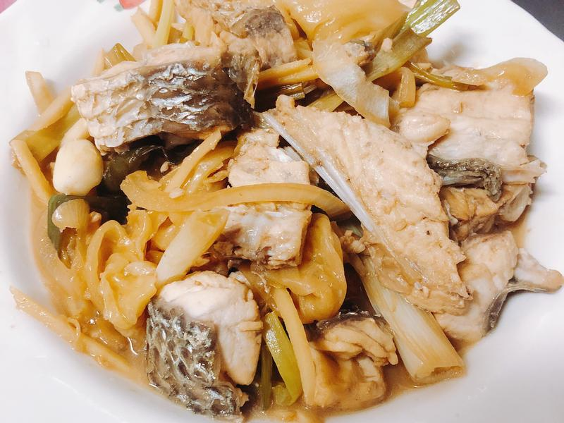 澎湖酸高麗菜龍膽石斑魚
