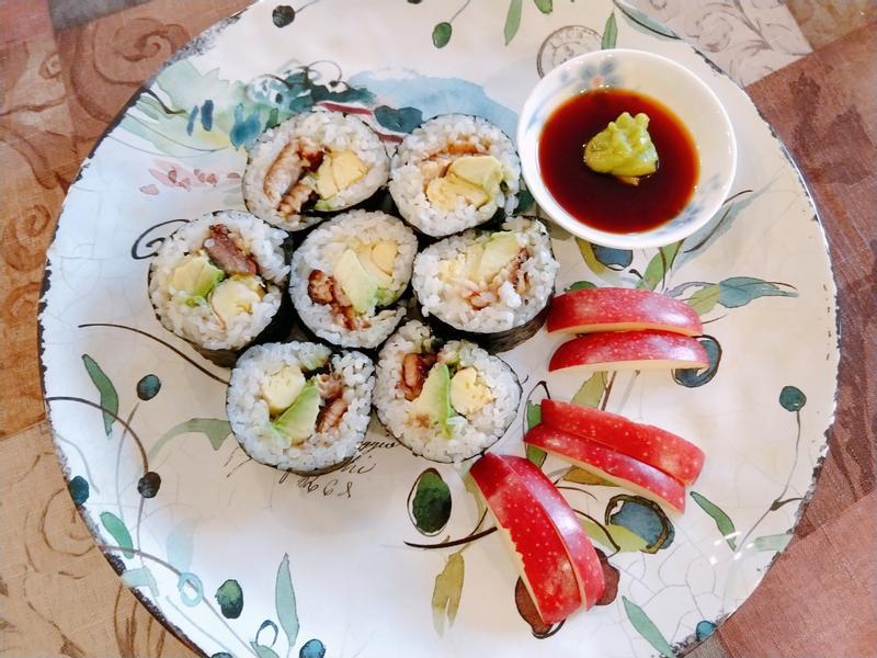 鰻魚酪梨飯捲