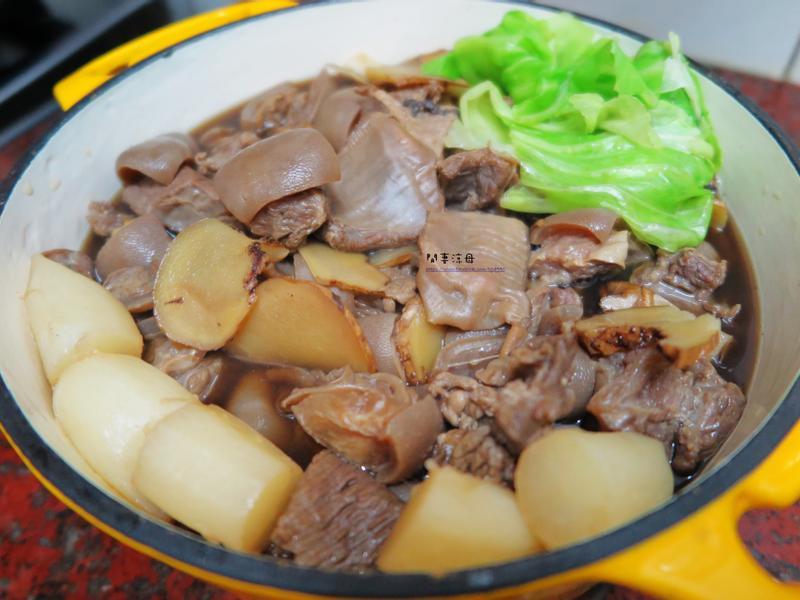 WMF pro 快易鍋 - 蘿蔔藥燉羊肉