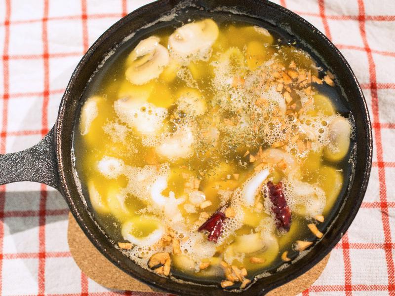 西班牙橄欖油大蒜蝦