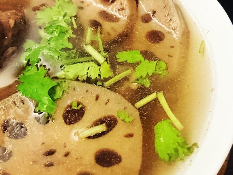 蓮藕排骨湯(電鍋料理)