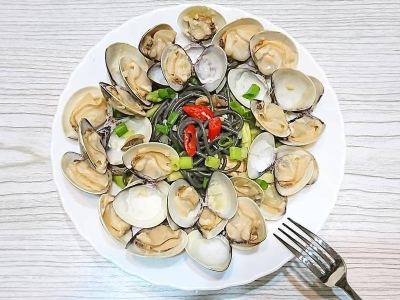 酒蒸蛤蠣墨魚義大利麵🍶和風居酒屋醬奶味