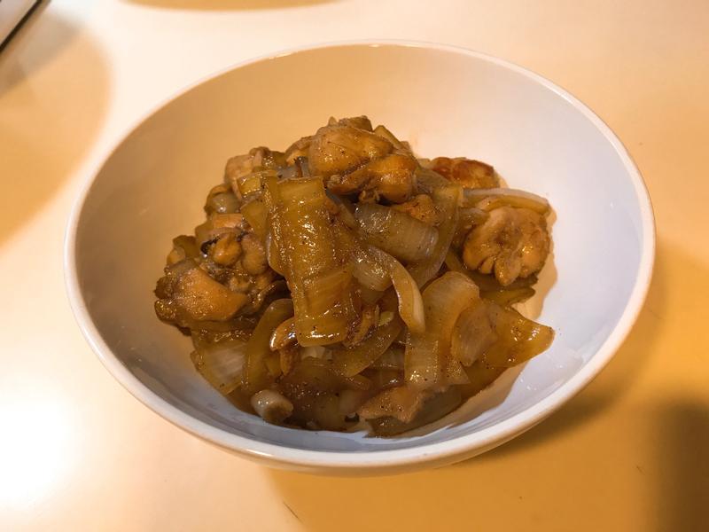 洋蔥雞腿肉丼飯