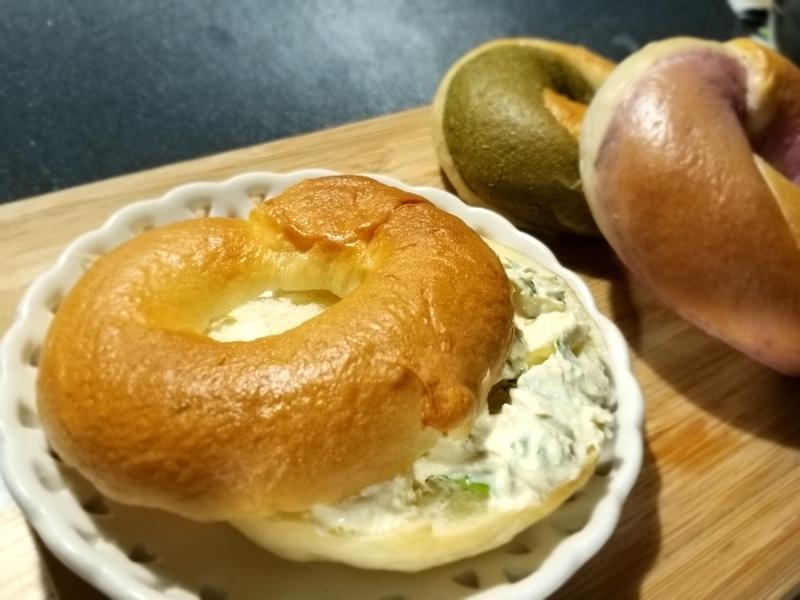 芹菜法式芥末酸奶油麵包抹醬