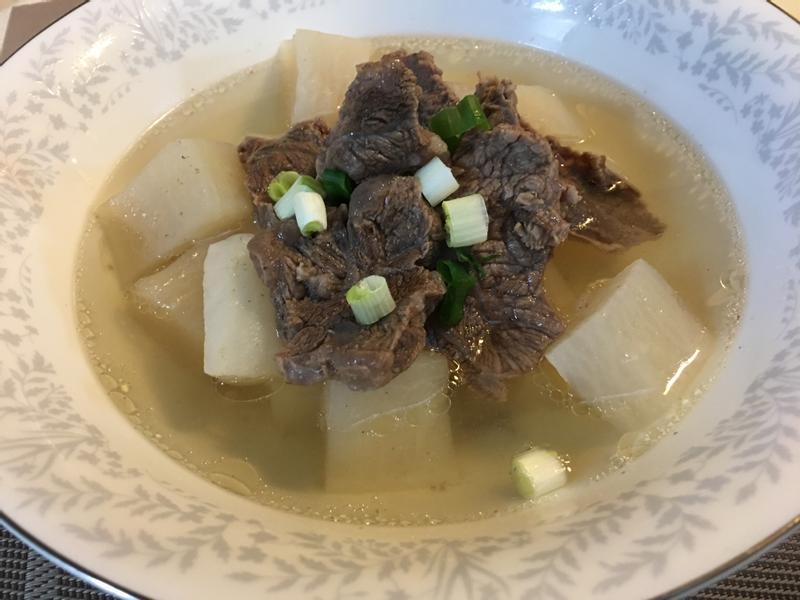 白蘿蔔清燉牛肉湯