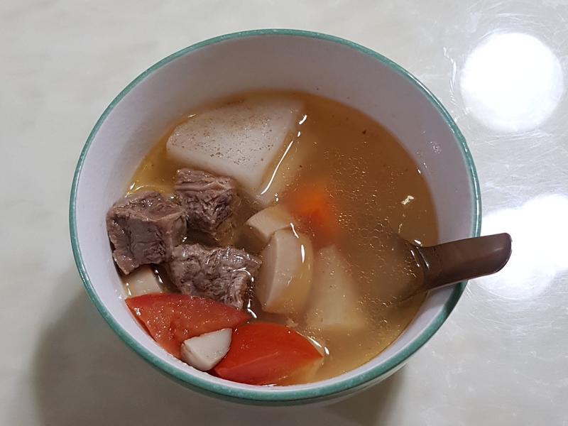 簡易牛肉湯-電鍋版