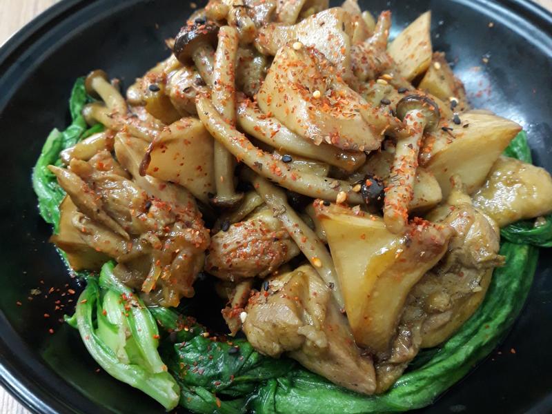 (生酮)醬燒杏鮑菇佐照燒雞腿肉
