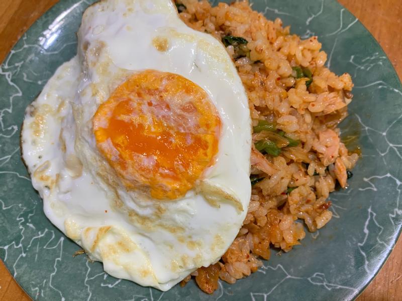 鮪魚泡菜炒飯