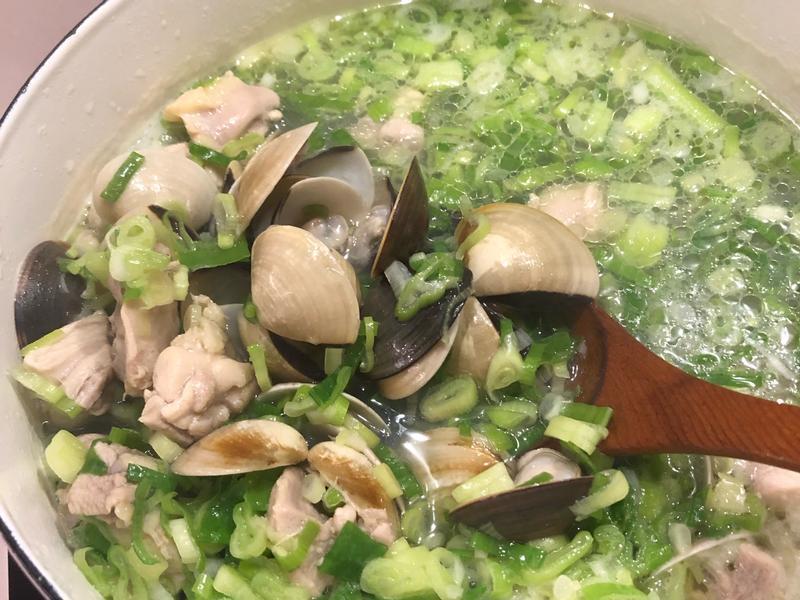 蛤蠣蔥雞湯