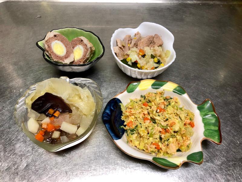 鮮食🐾獅子頭佐白菜 花椰菜湯 鮭魚炒飯