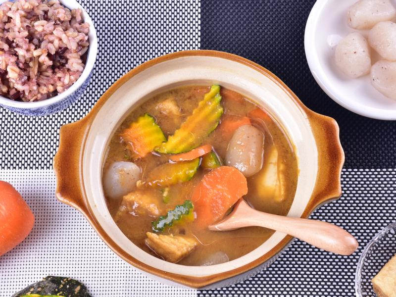 蘇美島椰子油佐南瓜蒟蒻咖哩湯