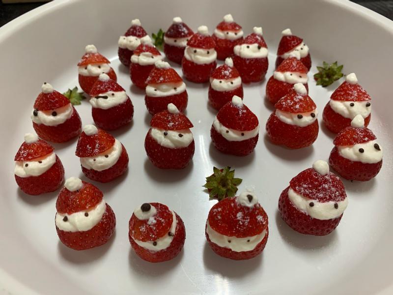聖誕老人草莓🍓過年慶團圓👪