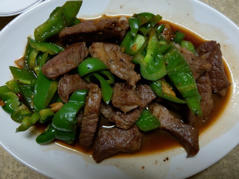 青椒炒牛小排