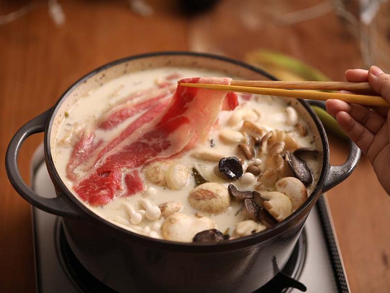 【湯瑪仕上菜】-松露牛奶野菇鍋