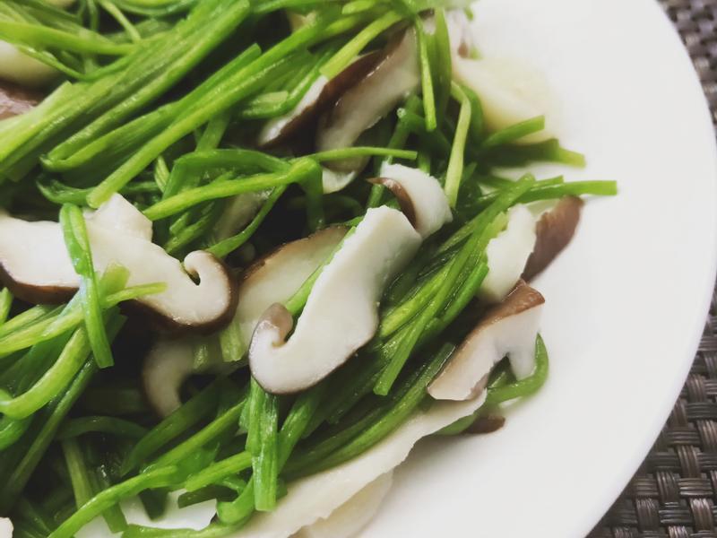 香菇炒水蓮